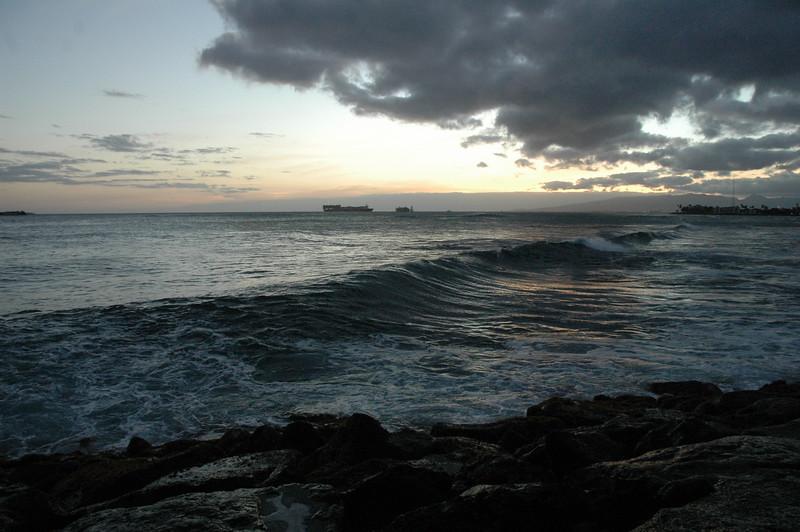 Hawaii - Ala Moana Beach Sunset-155.JPG
