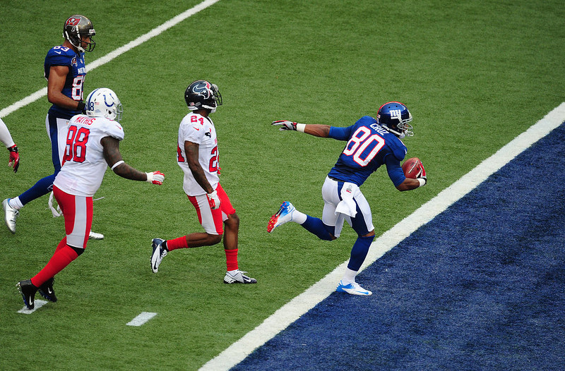 . Victor Cruz #80 of the New York Giants scores a second quarter touchdown against the American Football Conference team during the 2013 Pro Bowl at Aloha Stadium on January 27, 2013 in Honolulu, Hawaii  (Photo by Scott Cunningham/Getty Images)
