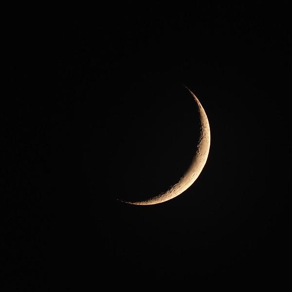 Crescent moon 9%