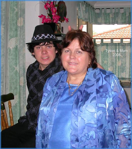 00008c.september 08 Tyson & Mum.jpg