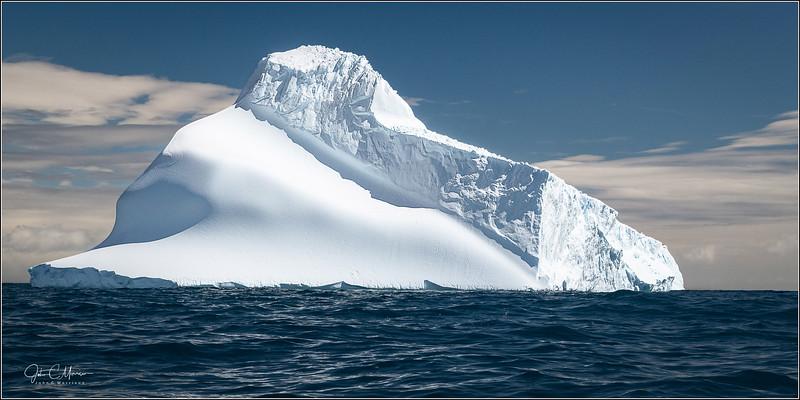 J85_5791 Iceberg LPr1W.jpg