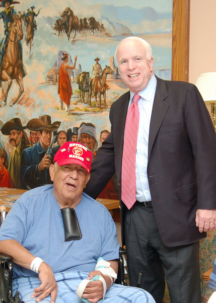 Sen McCain PVAHCS Visit 5-1-2010 5-25-16 PM.JPG