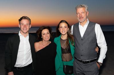 Tim, Judith, Bente en Yanick vieren Feest