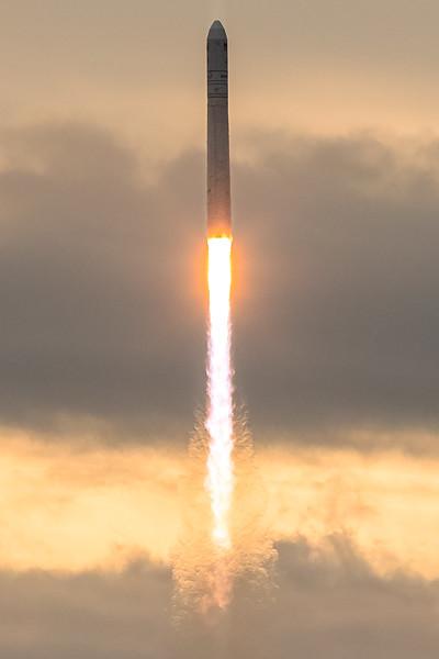 Orbital ATK OA-8 Launch second attempt-9042-2.jpg