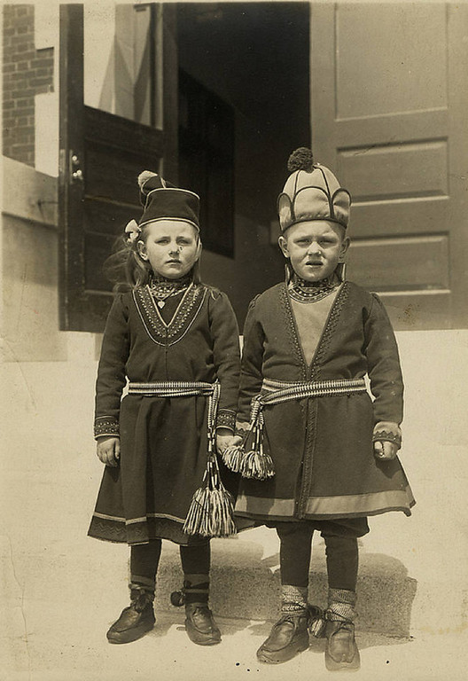 . Swedish children in folk costumes. (NPS photo)