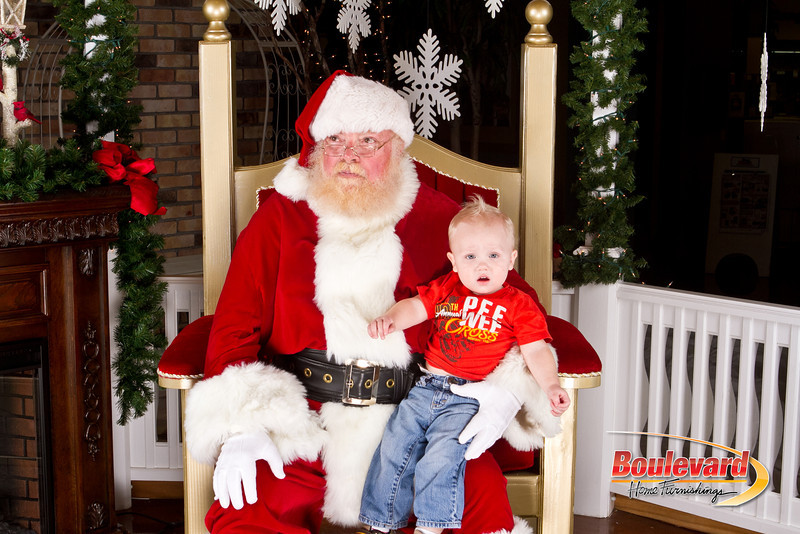 Santa Dec 8-339.jpg