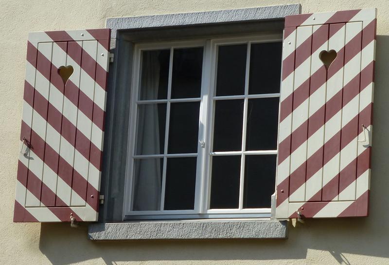 Day8-St Am Rhein hearts.jpg