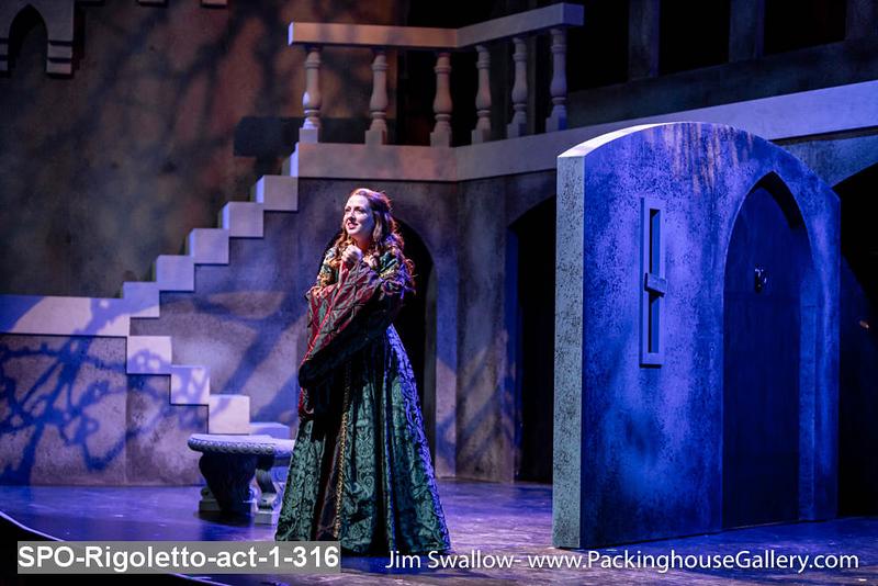 SPO-Rigoletto-act-1-316.jpg