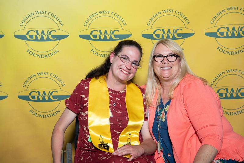 Scholarships-Awards-2019-0931.jpg