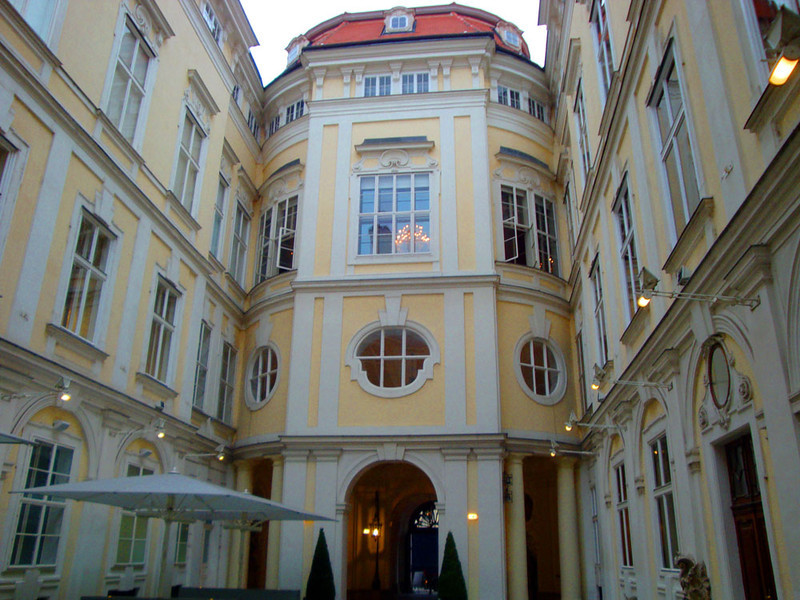 During the Renaissance Vienna was, for a time, one of the capitals of the civilised world. Every person of power apparently maintained a palace there for lobbying purposes. Accordingly, the city is full of old palaces such as this one.