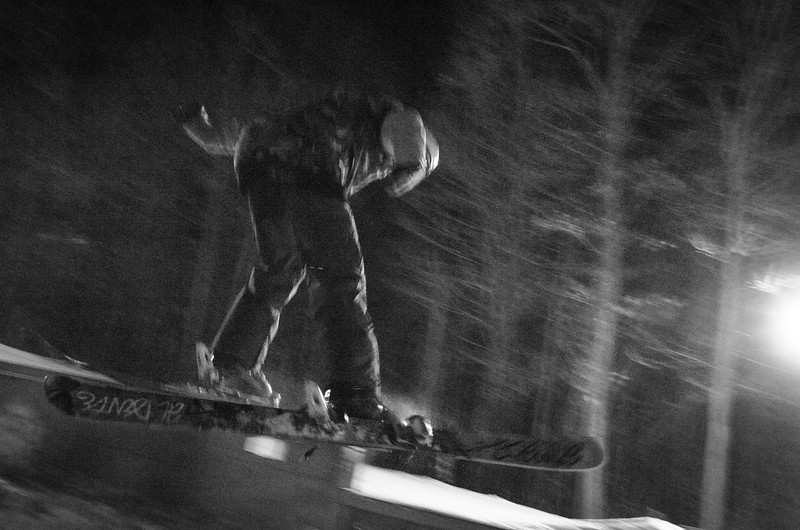 Nighttime-Rail-Jam_Snow-Trails-118.jpg