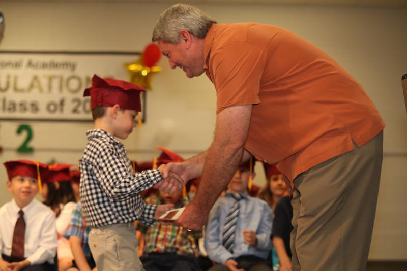 2012May18_MTA Kinder Grad_9721.JPG