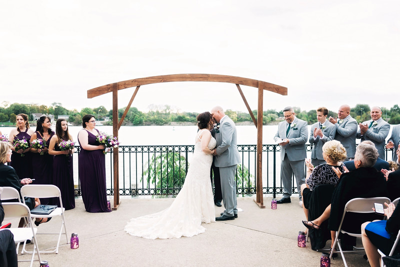 chateau-on-the-river-trenton-michigan-wedding-0304.jpg