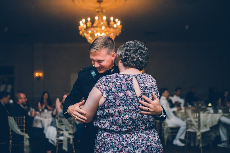 Philadelphia Wedding Photographer - Bernreuther-665.jpg