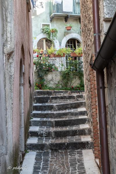 Fornelli alleys 092419-5.jpg