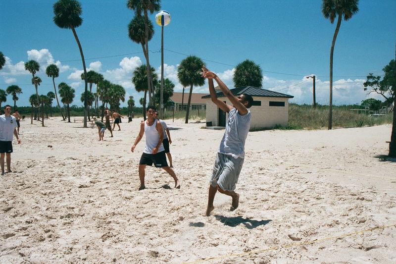 2002 05 22 - 6CS Beach party 03.JPG