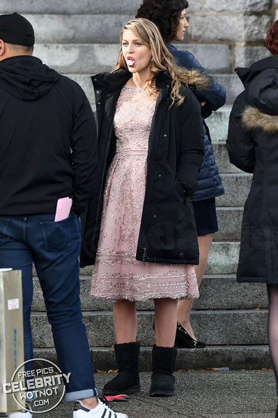 Benoist Blowing Bubbles! Supergirl Chewing Gum