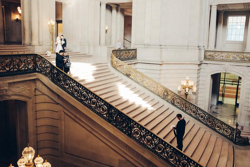 AlikGriffin_FujiX100T_San_Francisco_City_Hall_Bridal_Stairs.jpg
