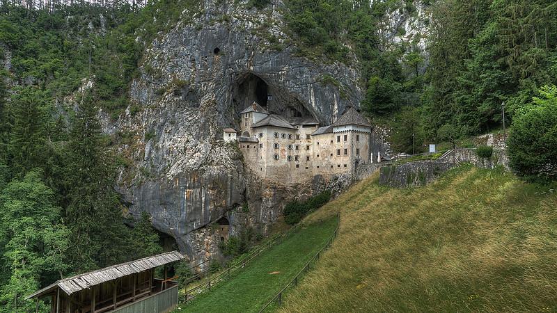 Predjama Castle (SI)