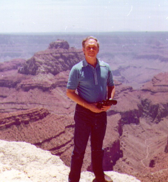 Wayne at Grand Canyon  02 - Copy.jpg