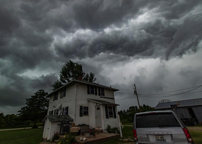OsingaFarm-ThunderstormAriving3.jpg