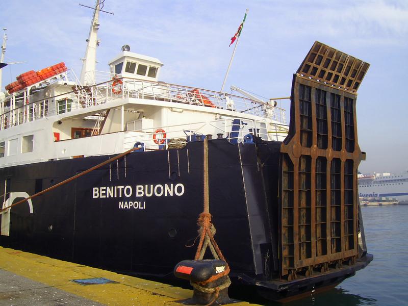 Benito Buono 2008.02.15 Napoli 2x.jpg