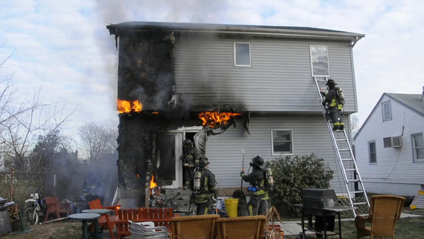 LEXINGTON AVE HOUSE FIRE VIDEO