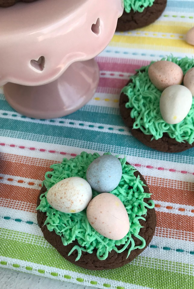 These Chocolate Easter Egg Cookies Easter Treats are pretty much as adorable and as fun as it gets. And they're easy to make! Make them with your kids, or maybe have the Easter Bunny leave them! The sky is the limit with Easter fun.