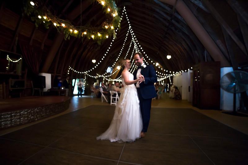 Garrett & Lisa Wedding (577).jpg