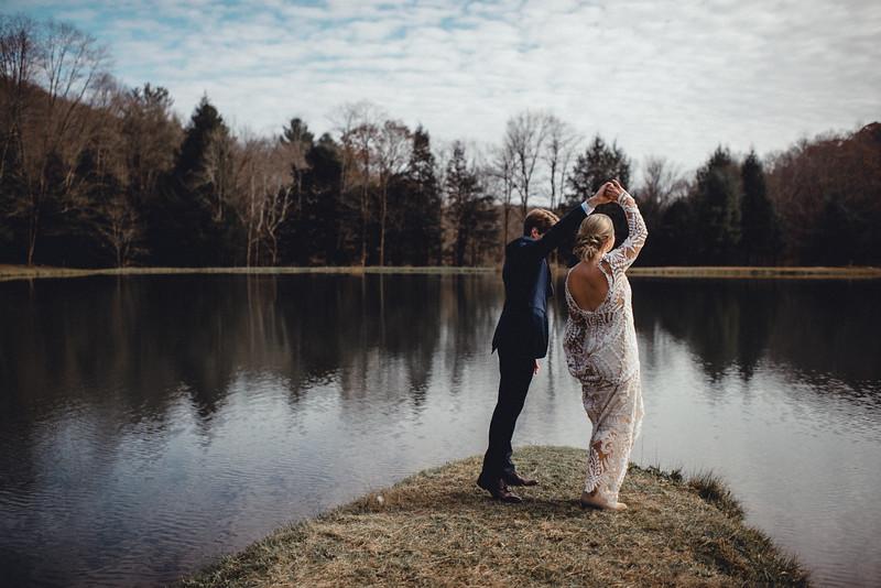 Requiem Images - Luxury Boho Winter Mountain Intimate Wedding - Seven Springs - Laurel Highlands - Blake Holly -686.jpg