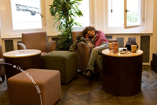 In the lovely cafe shop on the other side of the Millennium square, Moran is tired of the long day.