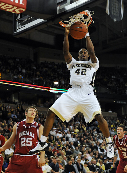 Williams dunk.jpg