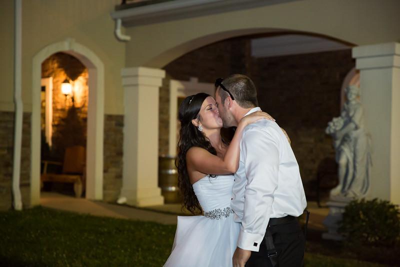1088_Josh+Lindsey_Wedding.jpg