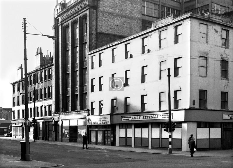 Oxford St at Bridge St.    May 1974