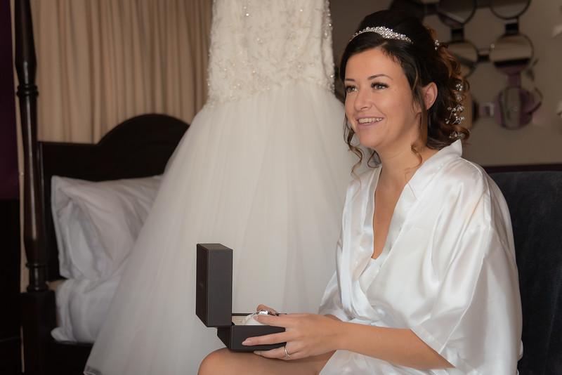 01 Bridal Prep-39.jpg