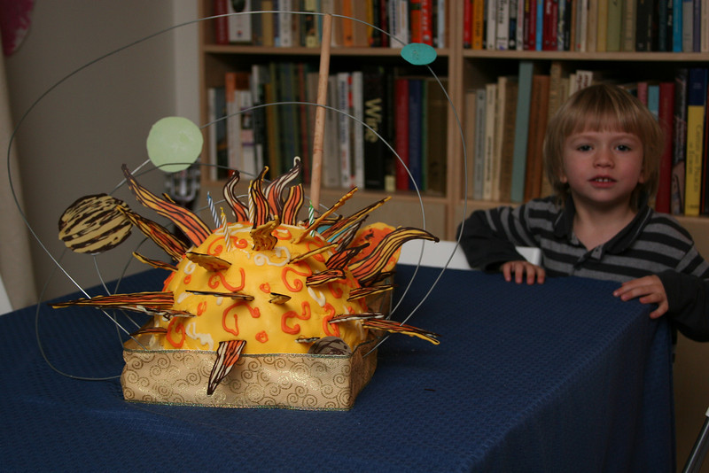 Vanja got a couple of cakes when he turned 5.  This is a model solar system.