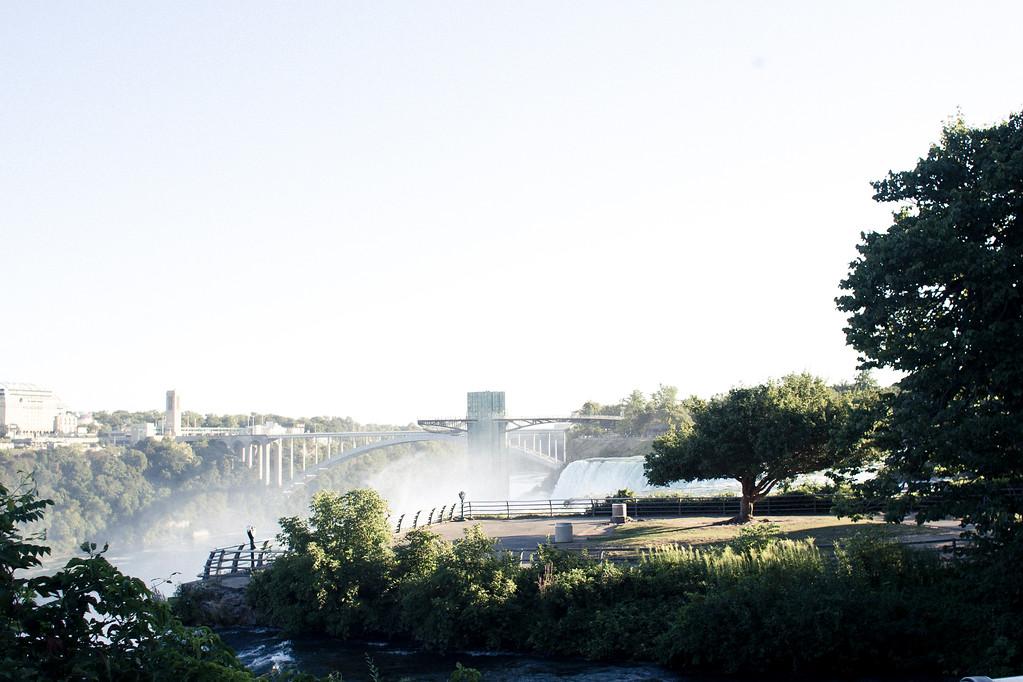 alexandergardner-Niagara-20110823-36
