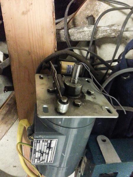 Weird solenoid friction brake on weird motor.