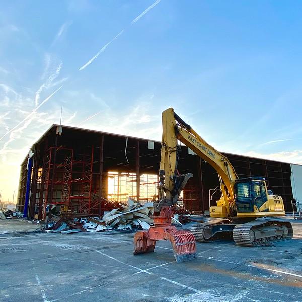 NPK DG30 demolition grab on Komatsu excavator - East Coast Demolition  5-20 (1).jpeg