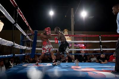 Antonio Tarver Jr vs Carlos Dixon