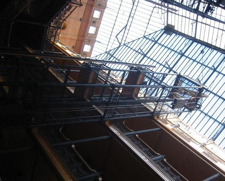 2006-BradburyBulding_Weebleboy_.jpg