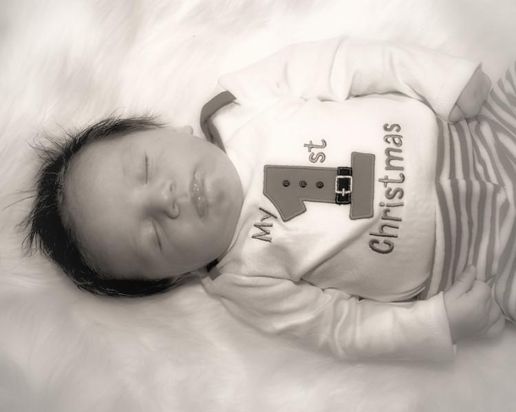IMG_3121 Medel Newborn BW.jpg