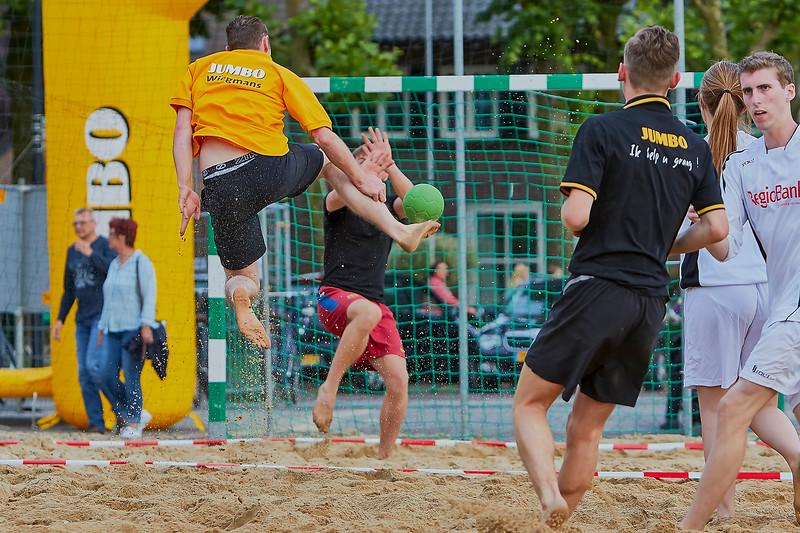 20160610 BHT 2016 Bedrijventeams & Beachvoetbal img 111.jpg