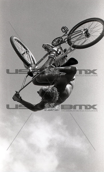 1984-River Jump299.jpg