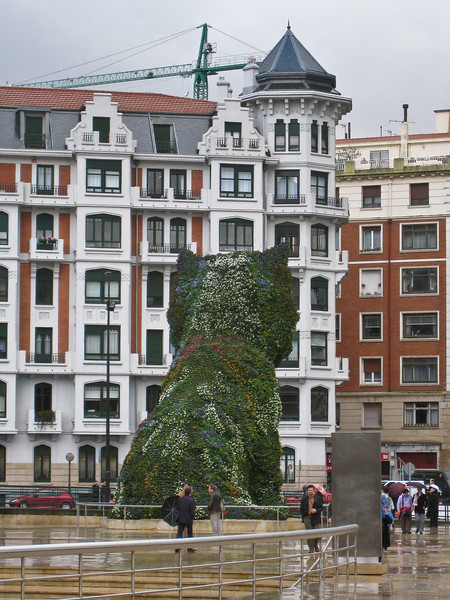 Puppy sculpture, from rear, outside the Guggenheim museum in Bilbao. (Dec 10, 2007, 11:39am)