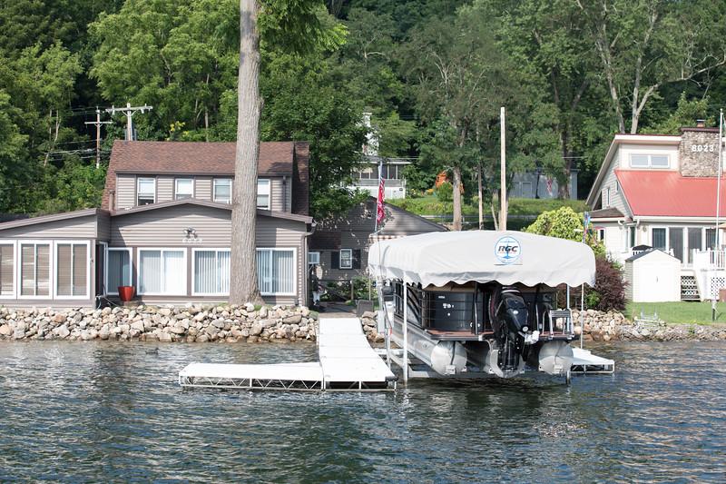 Boat1048.jpg
