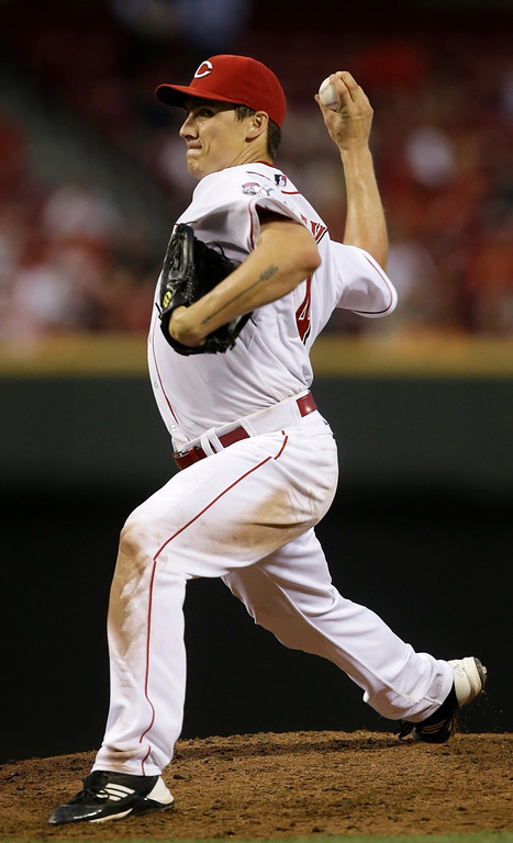 . Cincinnati Reds starting pitcher Homer Bailey throws against the San Francisco Giants in the eighth inning of a baseball game, Tuesday, July 2, 2013, in Cincinnati. Bailey threw a no-hitter as Cincinnati won 3-0. (AP Photo/Al Behrman)