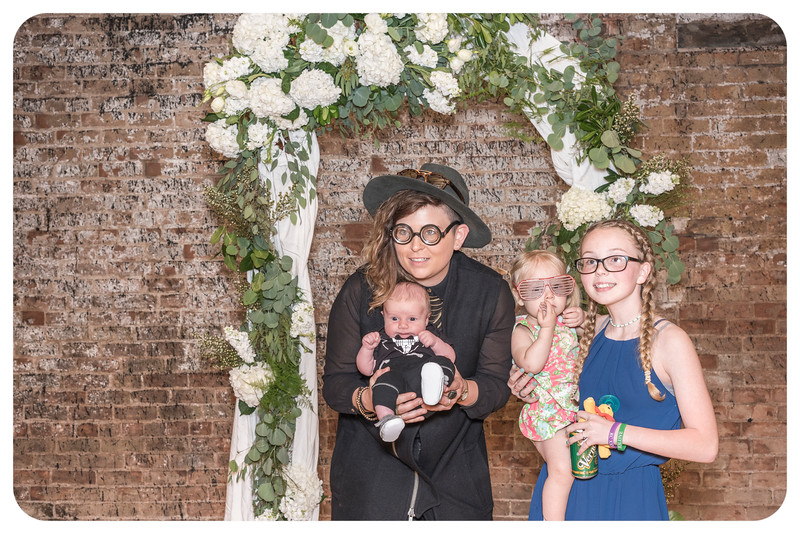 Laren&Bob-Wedding-Photobooth-7.jpg
