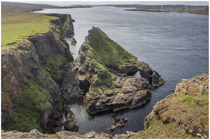 Cliffs and natural arch, Blue Mull (Unst)