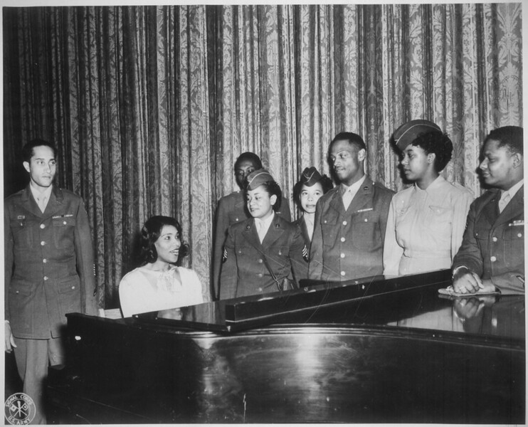 _Marian_Anderson,_world's_greatest_contralto,_entertains_a_group_of_overseas_veterans_and_WACs_on_(the)_stage_of_the_San_-_NARA_-_535928.tif.jpg